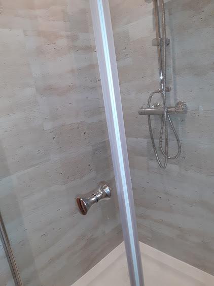 Aus alt Dusche mach Eine neu Dusche